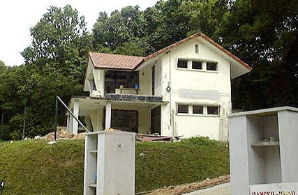 Front right view of house 4