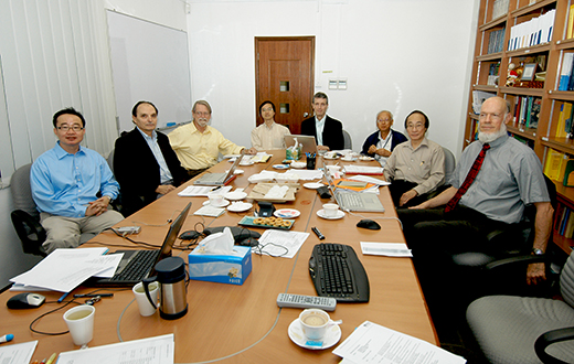 From left - TAN Ser Peow, Olivier PIRONNEAU, David MUMFORD, LEUNG Ka Hin, Roger HOWE, LUI Pao Chuen, Louis CHEN, David SIEGMUND At IMS on 10 Dec 2008.