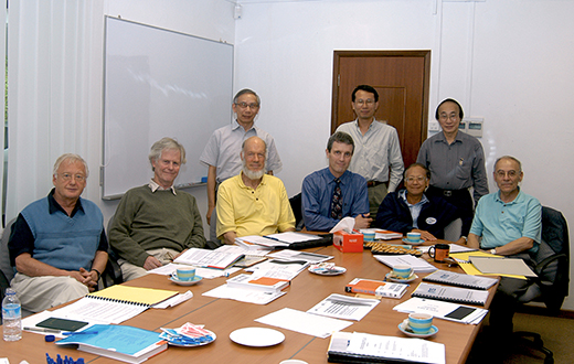 From left (Front Row) - Hans FÖLLMER, Keith MOFFATT, David SIEGMUND, Roger HOWE, LUI Pao Chuen, Avner FRIEDMAN From left (Back Row) - CHONG Chi Tat, Denny LEUNG, Louis CHEN At IMS on 8 Jun 2006.